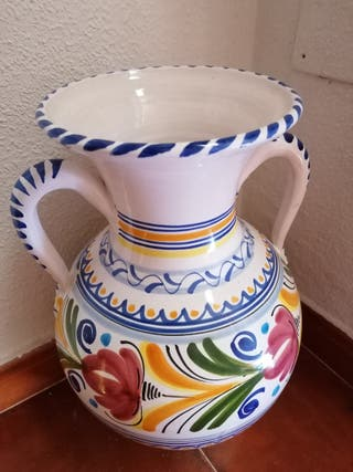 Conjunto de Cantarera y jarrón decorativos