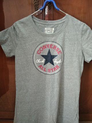 Camiseta de la marca converse original.