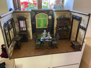 Casa de muñecas muy antigua comienzos siglo 20