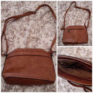 Bolso pequeño marrón