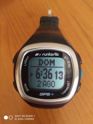 Reloj gps, pulsometro Runtastic