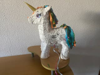 Se vende piñata unicornio