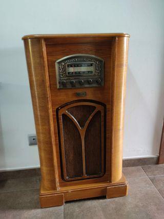 Réplica radio antigua