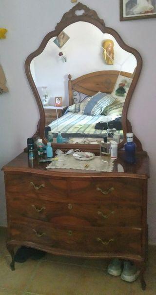 Aparador vintage con espejo