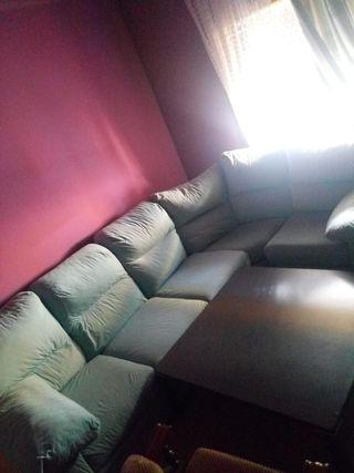 Sofa con la tabla