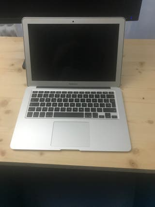 """Macbook Air 13"""", early 2015. i5 1'6Ghz, 128Gb"""