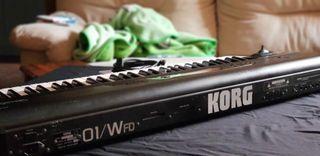 teclado korg 01wfd