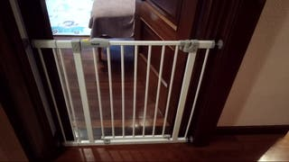 Puerta seguridad infantil Hauck Open N Stop