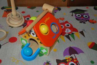 juguete de madera para golpear