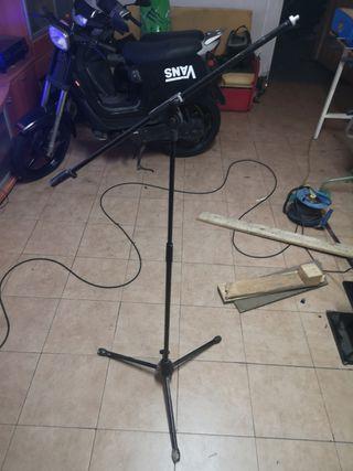 trípode micrófono