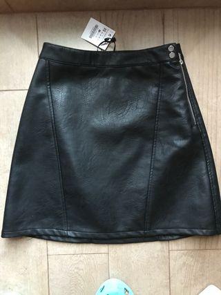 Falda negra cuero nueva Zara talla XS