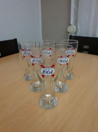 6 vasos de cerveza