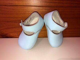 Zapatitos bebé azul claro sin estrenar