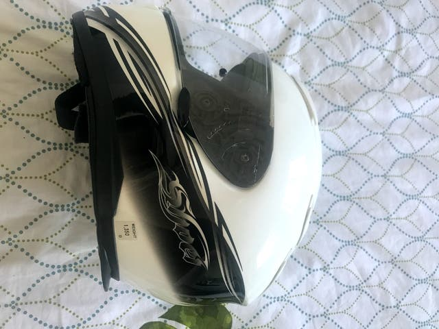 Casco Shoei XR1100.