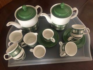"""Juego de café porcelana Pontesa """"Mantel verde"""""""