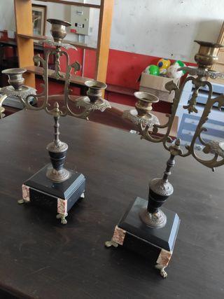 candelabros antiguos de bronce y Mármol