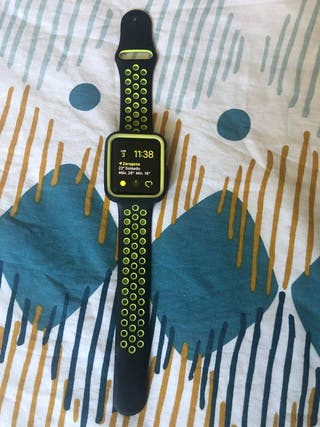 Apple watch series 2 nike 42mm.