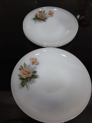 platos arcopal rosas
