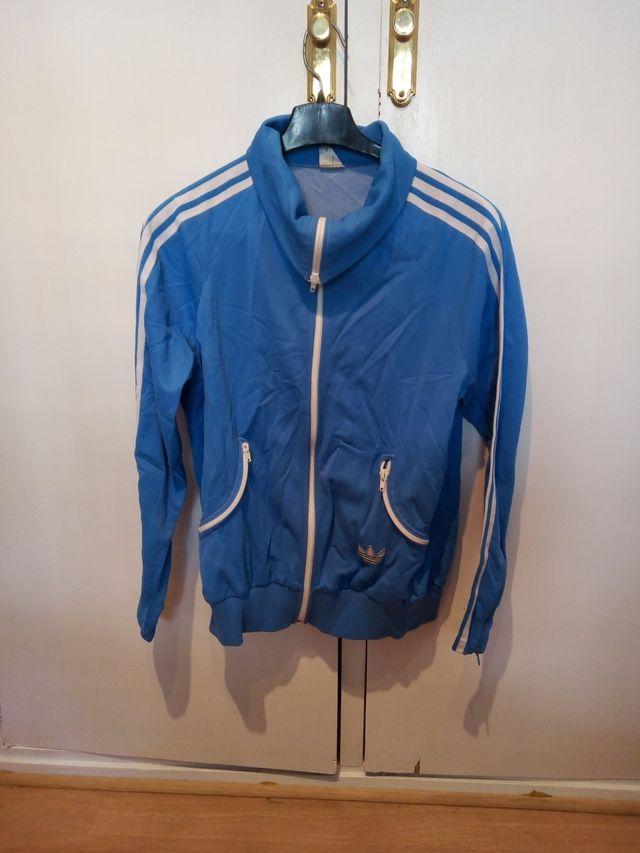 chaqueta adidas azul celeste