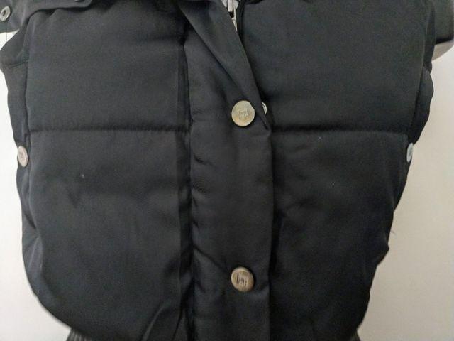 Chaleco sin mangas negro