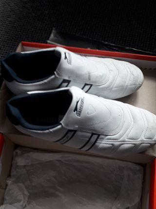slazenger trainers size 11