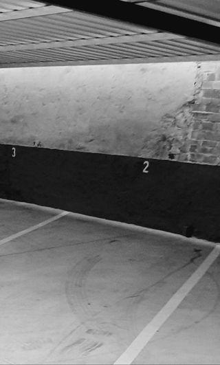 Cochera, parquing, aparcamiento, parking de moto.
