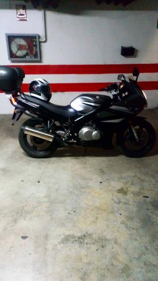 Vendo moto con 58000km, seguro mafre para un año,
