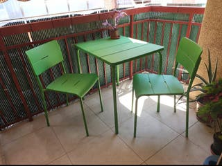 Mesa terraza jardin con sillas