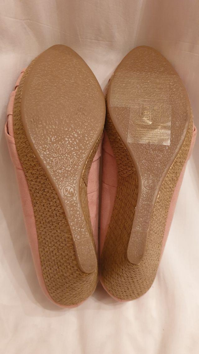 zapatos pep toe cuñas
