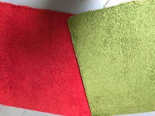 Lote 2 alfombras 25 €. 1,95 x 1,33 por separado 15