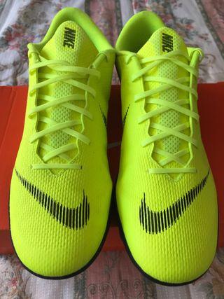 Bambas fútbol Nike Nº44