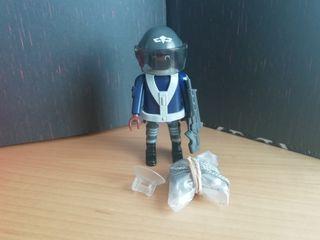 Figura Playmobil serie 14. Policía S.W.A.T