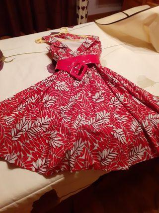 vestido estampado con mucho vuelo,amplio escote cr
