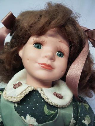 Antigua muñeca porcelana