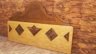 CABECERO de madera para somier de 135-150 cm.
