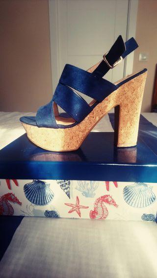 Zapato tacón de corcho azul