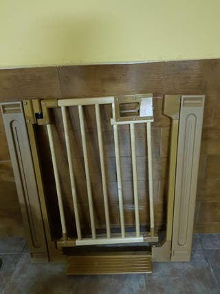 Puerta de seguridad.