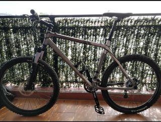 se vende bicicleta de 26 pulgada precio negociable
