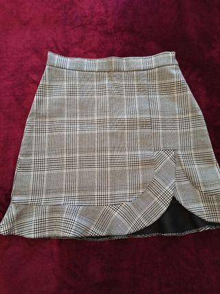 Falda escocesa gris ZARA