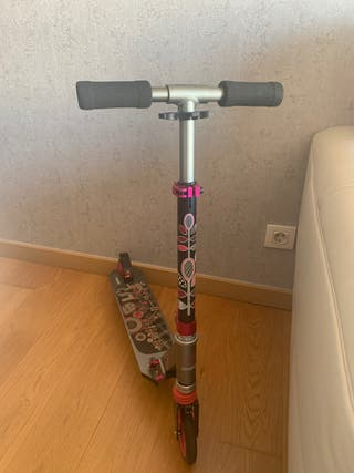Patinete scooter niña 6-12 años (Vigo centro)
