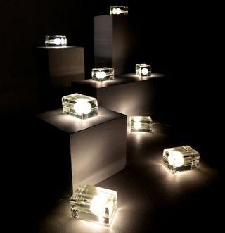 Lampara de mesa Block lamp