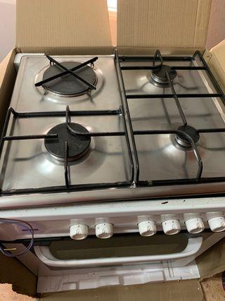 Vendo horno Balay y cocina 4 fuegos