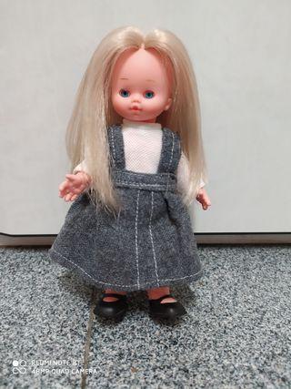 Alina muñeca antigua vintage