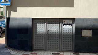 Local comercial en venta en Puerto - Plaza de Toros en Estepona