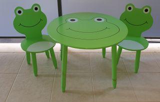 Conjunto de mesa con sillas madera infantil