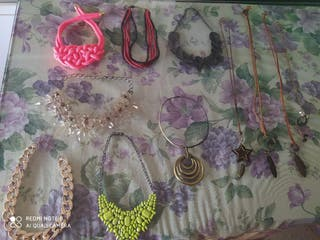 Lote 11 collares.