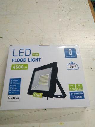 Foco LED Exterior 50W 4500lm 262x216mm NUEVOS. PRE