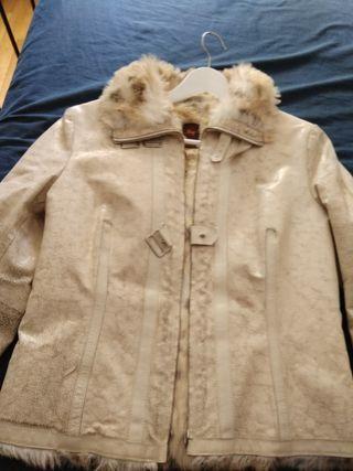 Precioso abrigo t-L imitación piel
