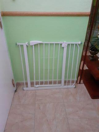 puerta de seguridad para escalera