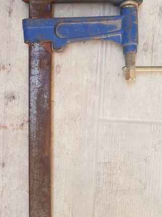 Gato construcción/carpintería. Marca URKO. 120 CMS